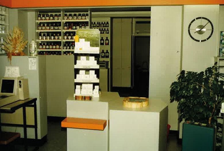 Offizin der Schwanhilden Apotheke in den 1970ziger Jahren